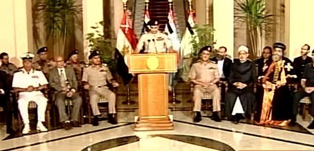 Asker darbe yaptı Mursi darbeyi reddetti